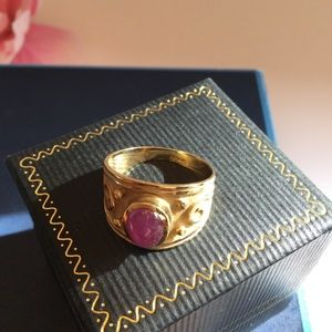 Jewelry - 🌸14k(stamped) Real Ruby Cab Etruscan Ring.🌸